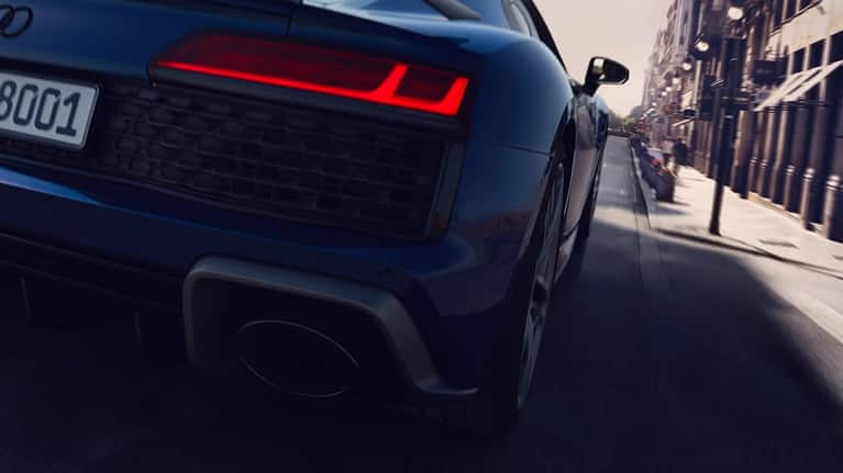 Audi R8 Coupé V10 performance quattro in rear view